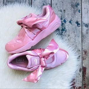 🌱SALE🌱PUMA FENTY knot sneakers Sz 9 women's